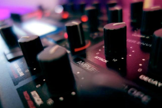 Piranha Studio Athens Synth